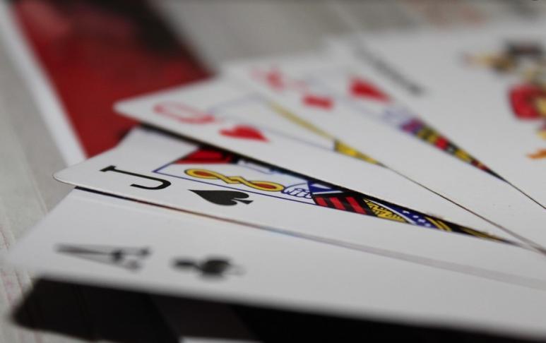 Auf die richtigen Karten kommt es an, auch beim Blackjack